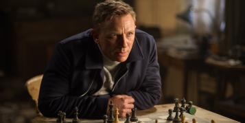Darum nutzt James Bond ein Sony Xperia Z5 und kein iPhone