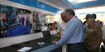 Kuba beginnt mit Tablet- und Laptop-Produktion