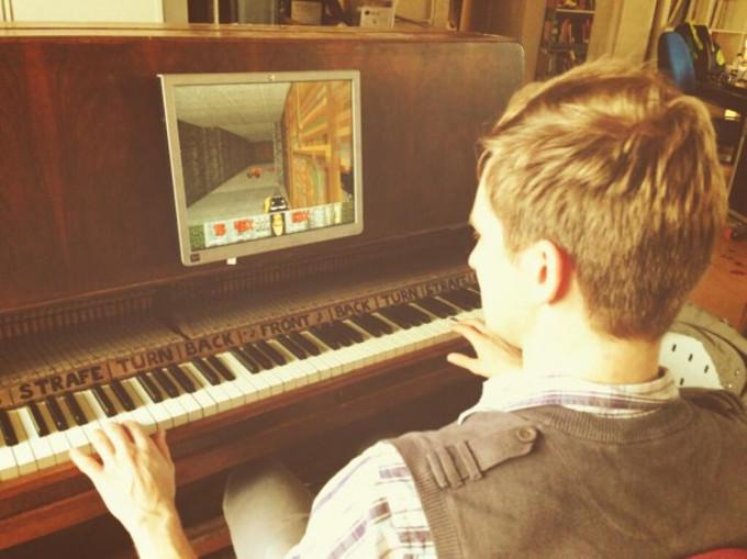 Klavier als Spiele-Controller verkabelt