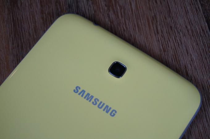 Nur 3,2 Megapixel und keine LED: Der Digitalkamera auf der Rückseite des Galaxy Tab 3 Kids fehlt es an allen Ecken und Enden