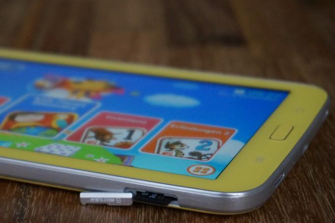 Speichererweiterung: Ohne Micro-SD-Karte würde der Speicherplatz schnell knapp. Mit Karte lässt er sich um maximal 32 GByte erweitern.