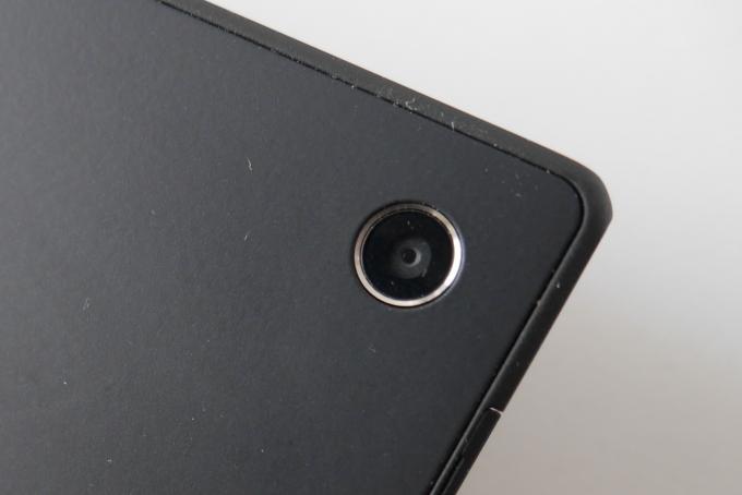 Die Hauptkamera liefert 8,1 Megapixel und trotz des winzigen Objektivs eine Bildqualität, die mit der einer Einsteiger-Digicam vergleichbar ist.