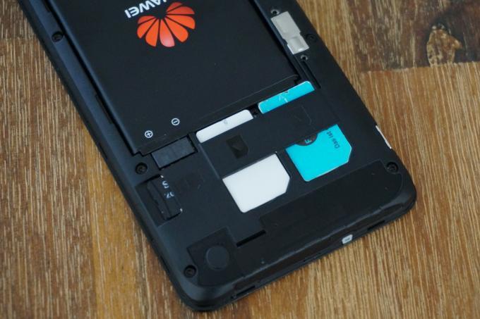 Die Möglichkeit, zwei SIM-Karten parallel zu nutzen, ist das eigentliche Highlight des Huawei Ascend G525.
