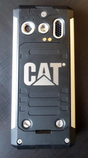 Die Designsprache von Caterpillar lässt sich eindeutig in der Optik des B100 erkennen