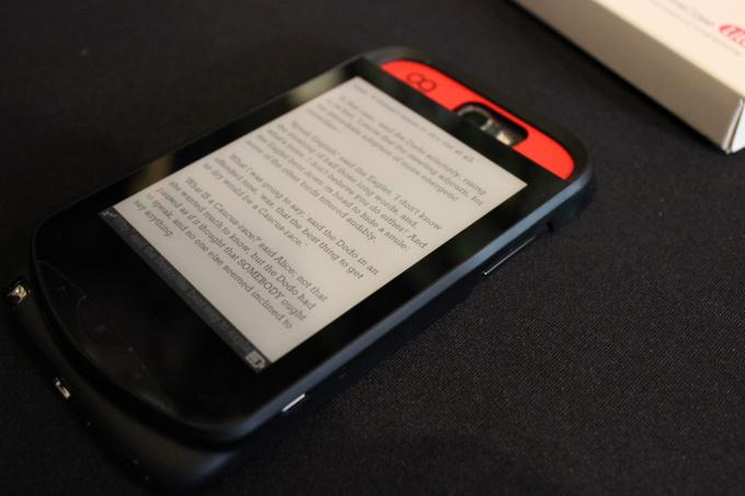 eInk-Display auf Smartphone-Cases spart Strom