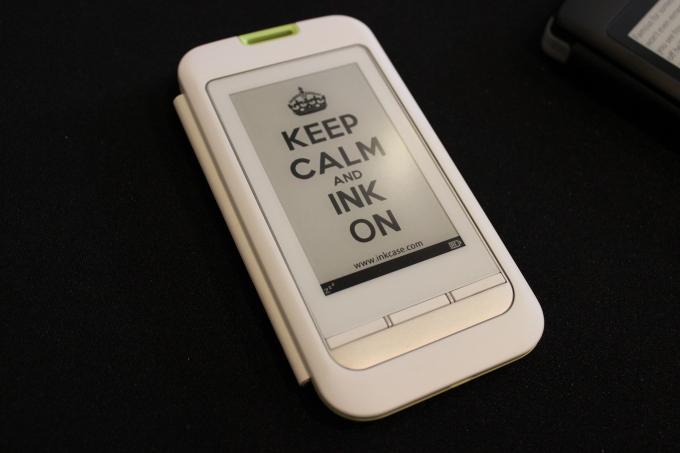 eInk-Display auf Smartphone-Cases spart Strom