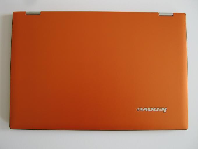 Kompaktklasse: Das Lenovo IdeaPad Yoga 2 Pro misst 330 mm x 220 mm x 15,5 Millimeter.