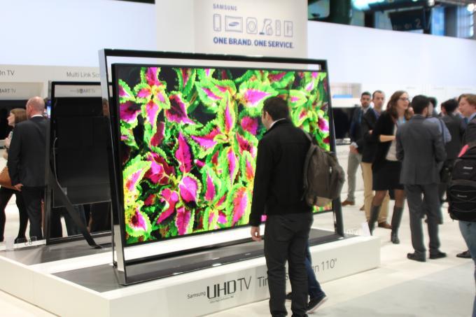 samsung uhd tv s9 110 zoll smart tv f r knapp. Black Bedroom Furniture Sets. Home Design Ideas