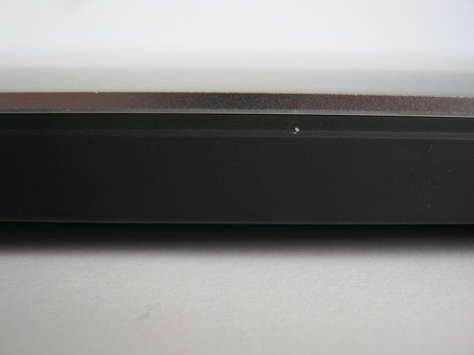 Schmalspur: Inklusive Standfuß ist das XPS 15 an der dicksten Stelle der Rückseite nur zwei Zentimeter hoch.