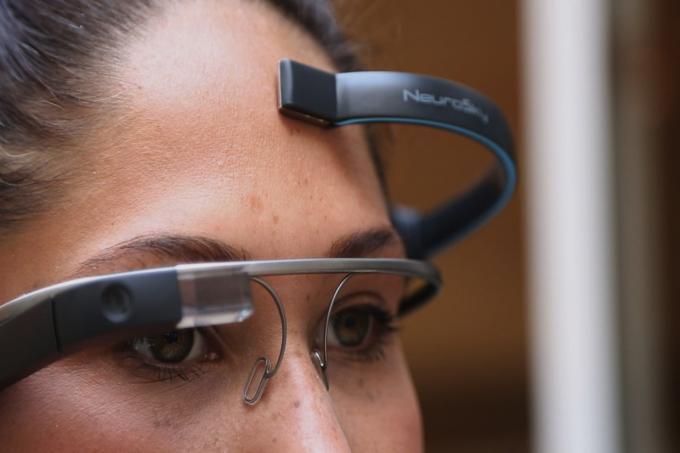 Google Glass: App steuert Datenbrille via Gedankenübertragung