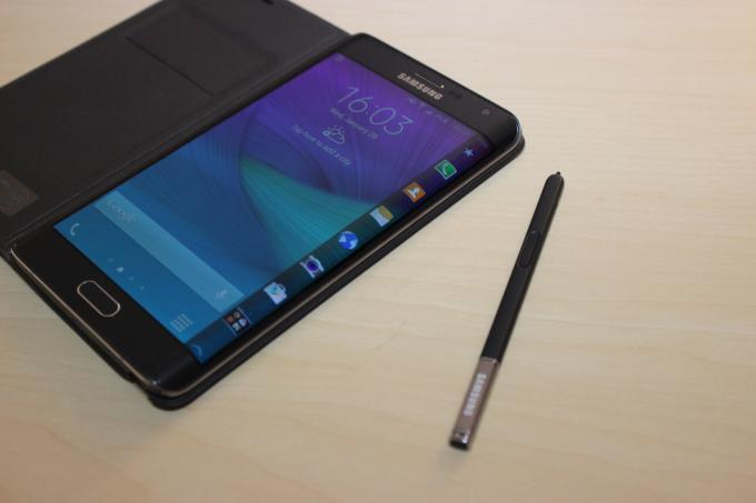 Die Hardware des Galaxy Note Edge lässt nichts zu wünschen übrig