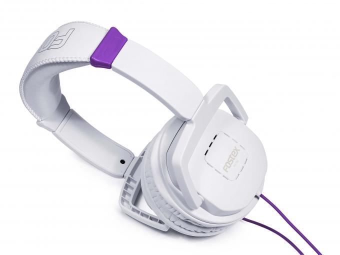 Die Fostex TH-7 geben die Musik sehr ausgeglichen wieder.