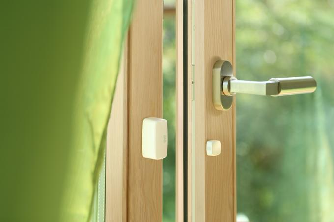 Das einzige Produkt an dem es etwas auszusetzen gibt, ist Eve Door & Window, da es das Problem nur zur Hälfte löst. Natürlich ist es nett, sich rückversichern zu können, ob eine Tür oder ein Fenster geschlossen ist oder offen steht. Die...