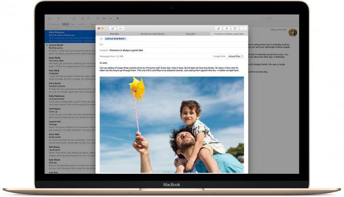 Mail lernt vor allem von der iPad-Version und bietet jetzt mehr Wischgesten. Außerdem profitiert die Mail-interne Suche vom aufgebohrten Spotlight.