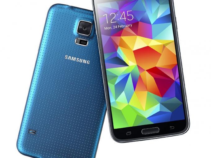 Stiftung Warentest zufolge, sollte man beim Galaxy S5 nicht überlegen, sondern zugreifen