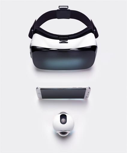 So wird ein Schuh draus: Das volle Potenzial der Gear 360 entfaltet sich nur im Zusammenspielt mit einem aktuellen Galaxy-Smartphone und der Gear VR.