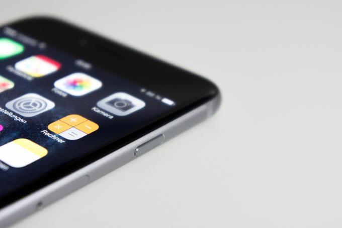 Mit dem iPhone 6 Plus bot Apple erstmals eine Modellvariante mit einem deutlich größeren Bildschirm an