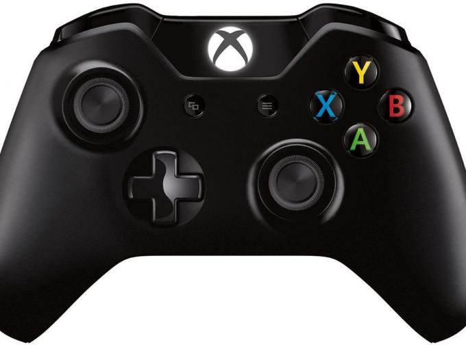 Xbox One S Wireless Controller in Schwarz