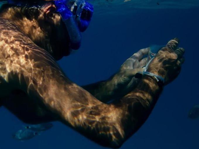 Smartphone unter Wasser nutzen? Mit Qualcomms neuem Ultraschall-Fingerabdrucksensor rückt dieses Szenario näher