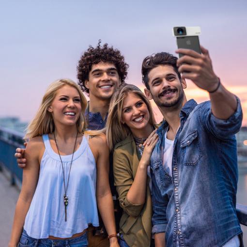 Die fertigen 360-Grad-Fotos lassen sich in den sozialen Netzwerken teilen