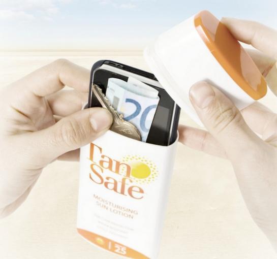 In den TanSafe können Sie Ihre Wertsachen, zum Beispiel am Strand, verstauen.