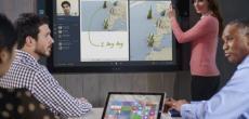 Surface Hub: Microsoft stellt Rechner mit riesigem Touchscreen für Konferenzräume vor