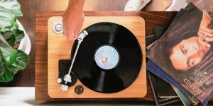 House of Marley: Moderner Plattenspieler im Retro-Stil